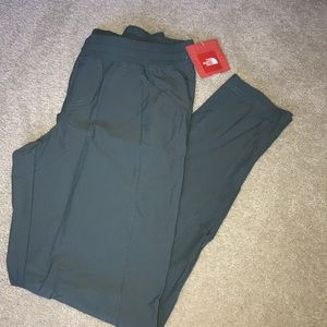 New with tags The North Face Pants